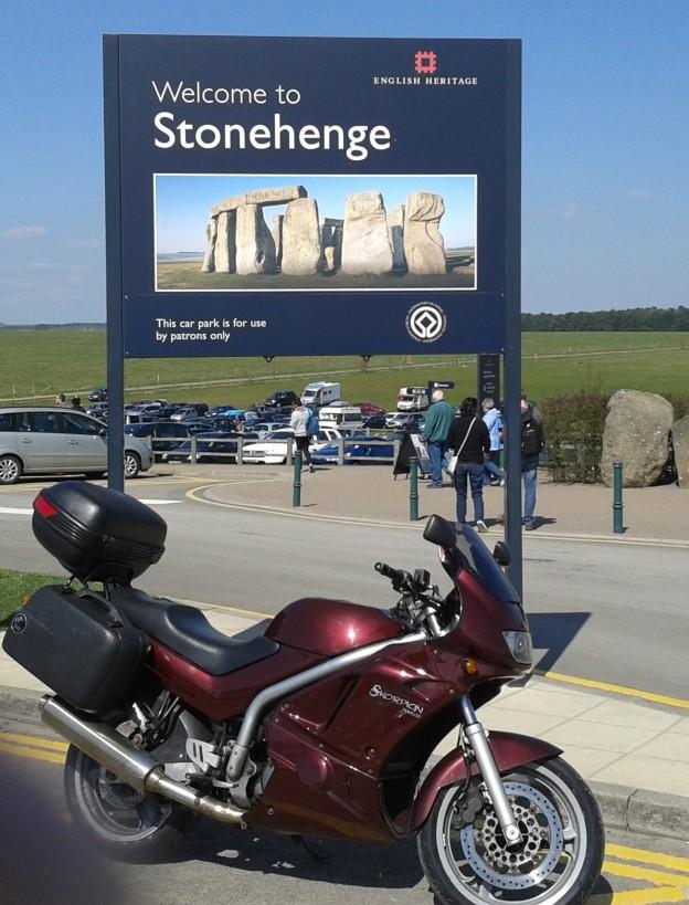 Skorpion at Stonehenge - Andrew Garbett